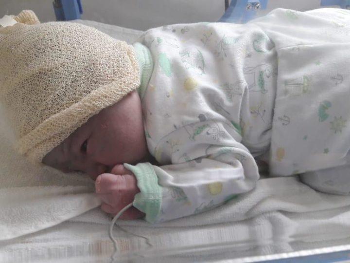 Policías parteros ayudaron a dar a luz a una mamá en San Miguel