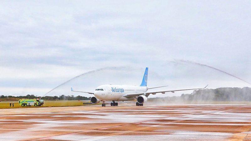 Luego de cinco años Puerto Iguazú vuelve a tener un vuelo internacional