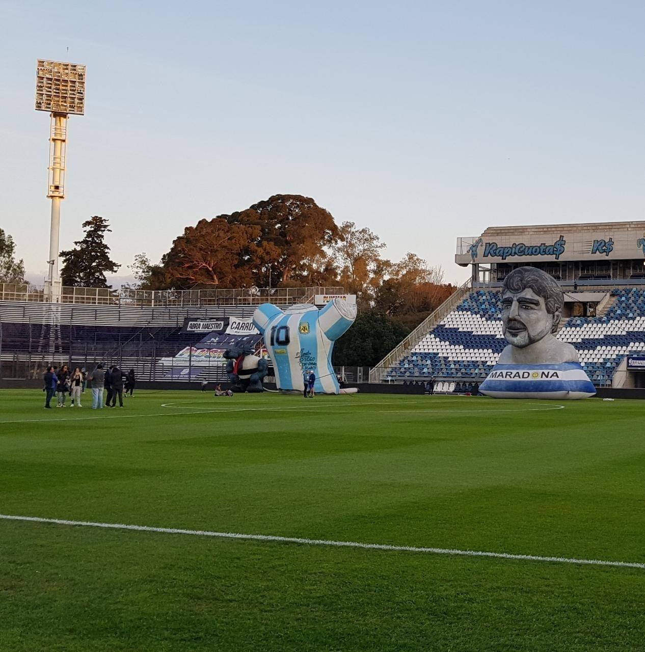 Se inicia este domingo la era Maradona en Gimnasia y La Plata es una revolución