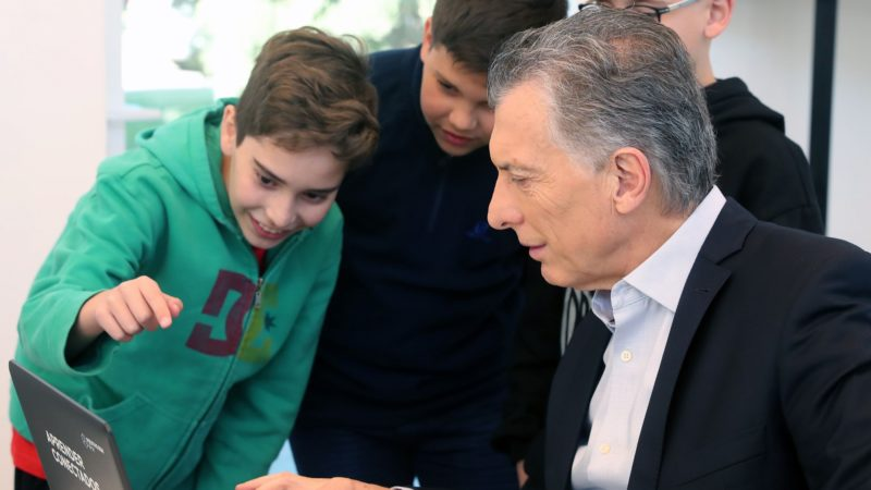 El Presidente recibió a equipos campeones de Programación y Robótica