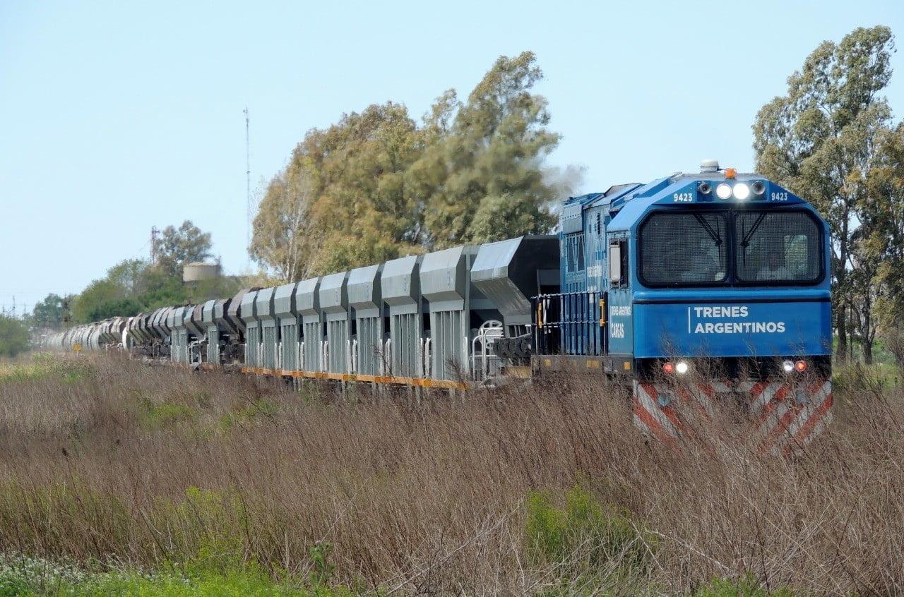 Trenes Argentinos Cargas transportó más de 600 mil toneladas en un mes