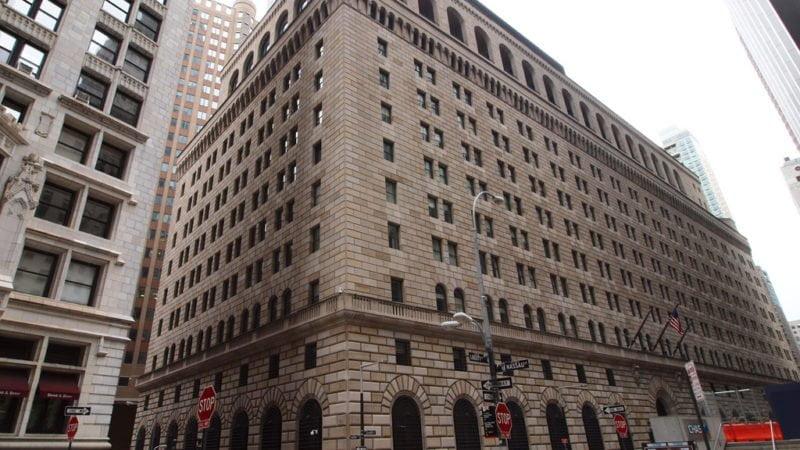 La Reserva Federal toma medidas para mejorar la liquidez y manejar las tasas