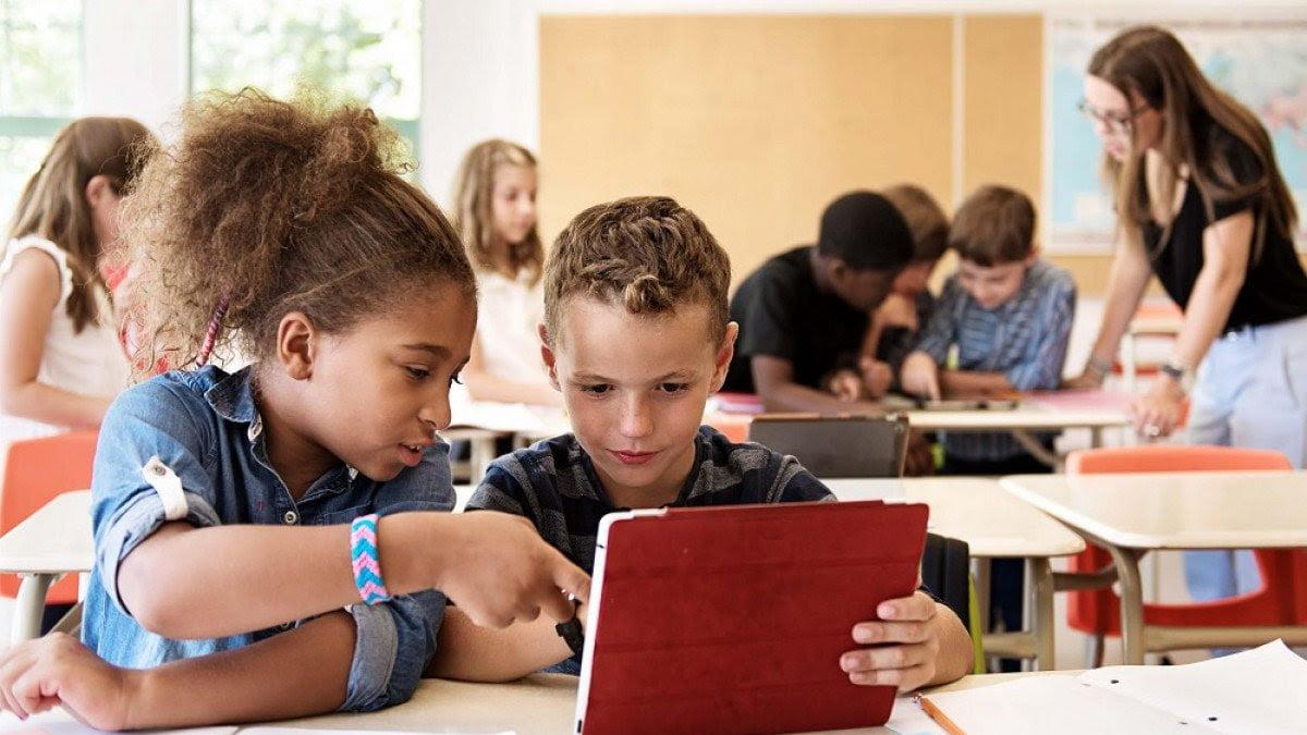 Garantizar los derechos de los niños en la era digital