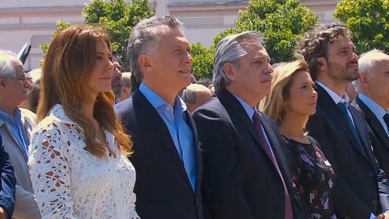 Macri y Fernández juntos en la misa de la Virgen de Luján