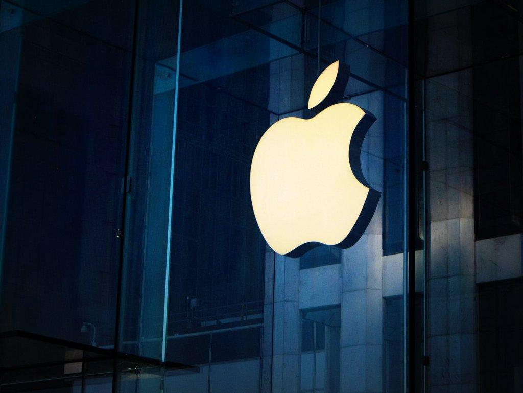 Apple registra sólidos ingresos por las ventas de iPhones