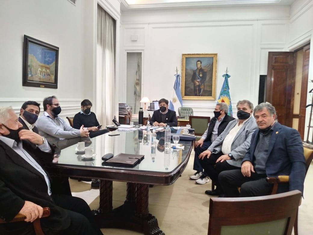 Estaciones de servicio se reunieron con Kicillof acompañados por el jefe de la CGT