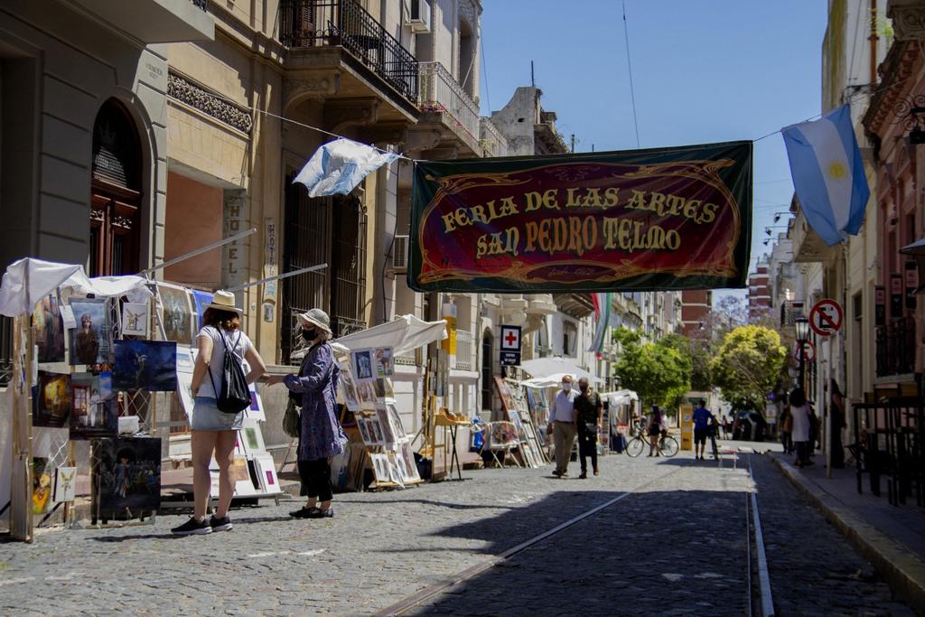 Reabrió la Feria San Pedro Telmo en su 50 aniversario con protocolos y sin turistas extranjeros