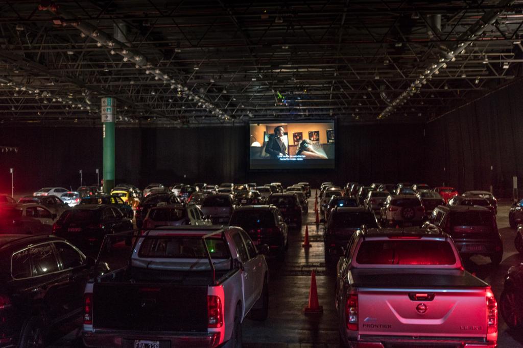 Autocine Atlas La Rural: Se consolida el formato en la Ciudad y continúan los pre-estrenos