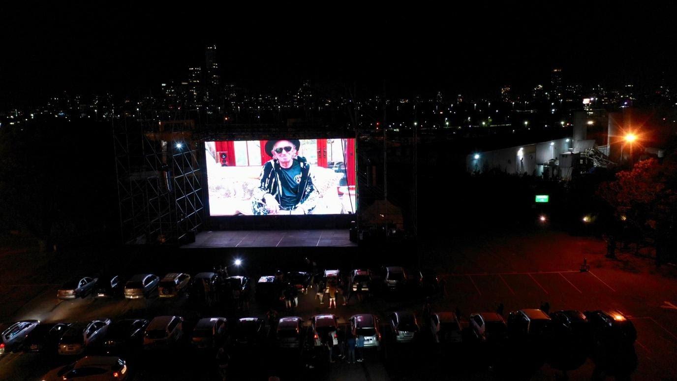 Keith Richards lanzó su nuevo álbum video en vivo desde Argentina para el mundo en una avant premiere única en un autocine porteño